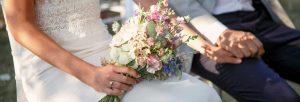 Hochzeitsfotograf München mit Detailaufnahme Hochzeitsstrauß